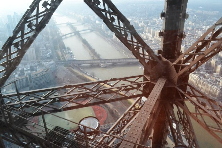 Eiffel tower steel composition